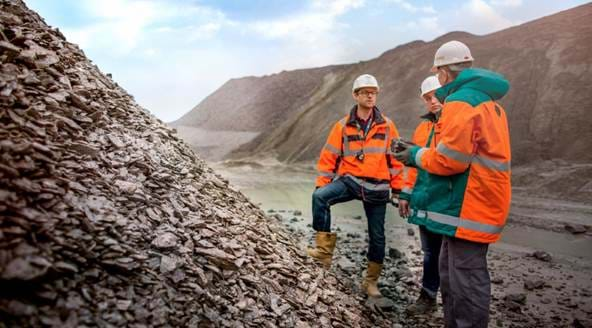 metso-koralmbahn-kat2-blasted-rock-stockpile-b-1-edit-hd.jpg